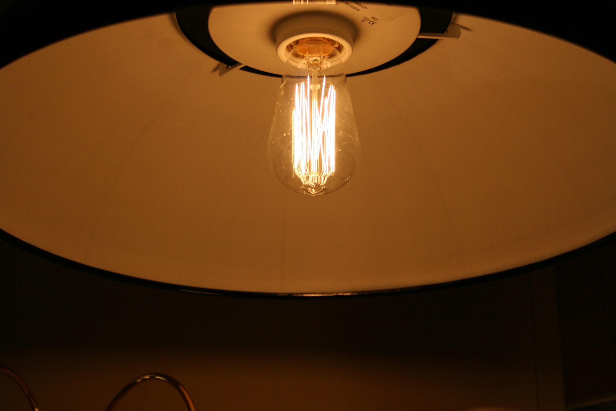 e27 kohlefadenlampe 94 15366 60 60w von lucide leuchtmittel trafo innenleuchten. Black Bedroom Furniture Sets. Home Design Ideas