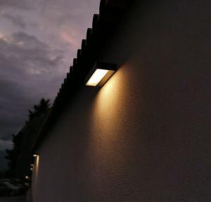 InOut Outdoor LED Außenwandlampe von Rotaliana
